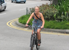 lady cycling for weight loss